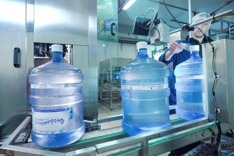 Термоусадочные колпачки на бутылях